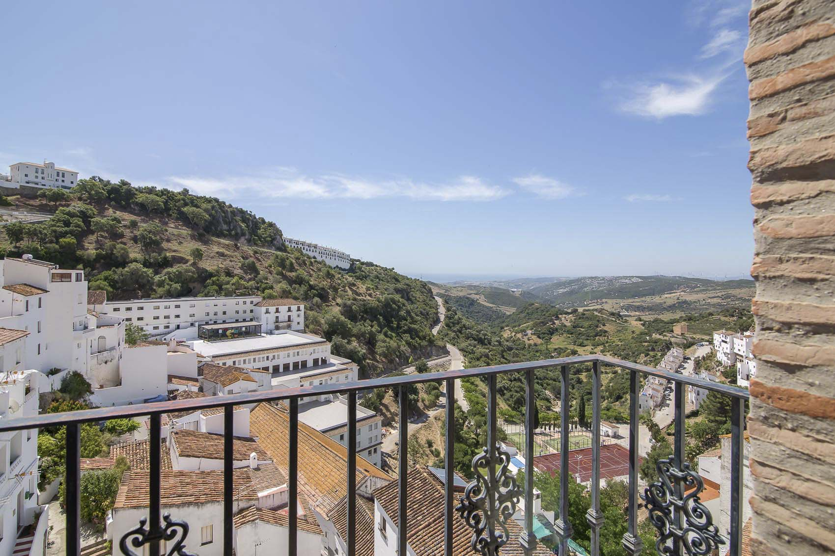 Balcón hotel Rural Casares. Alojamiento en Casares