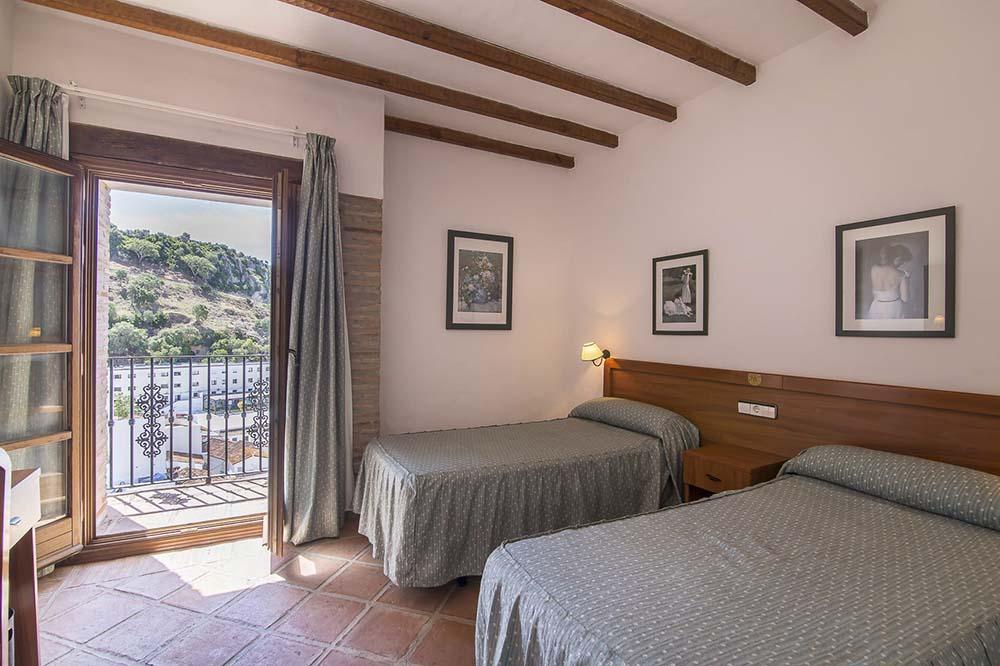 Habitación triple - Hotel Rural Casares